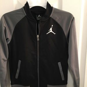 Little boys Jordan track jacket, black and gray